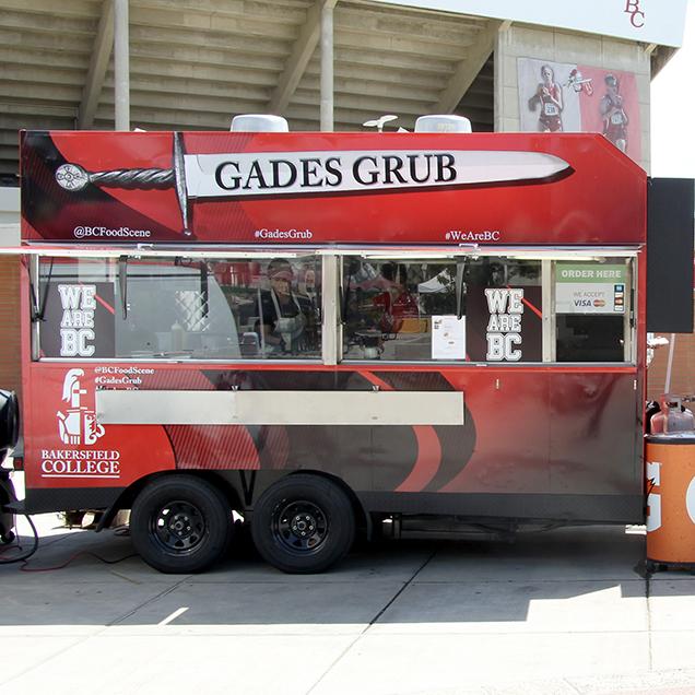 Gades Grub food truck in front of Memorial Stadium.