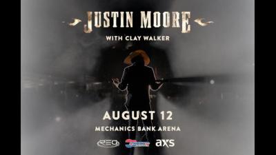 Justin Moore in concert.
