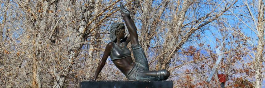 Sculpture Park: Stretching