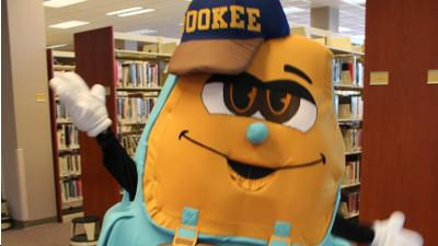 5th Grade Field Trip to College: Bookee the Library Mascot