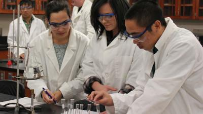 Students Taking Biology & Chemistry Classes at the Ridgecrest Campus